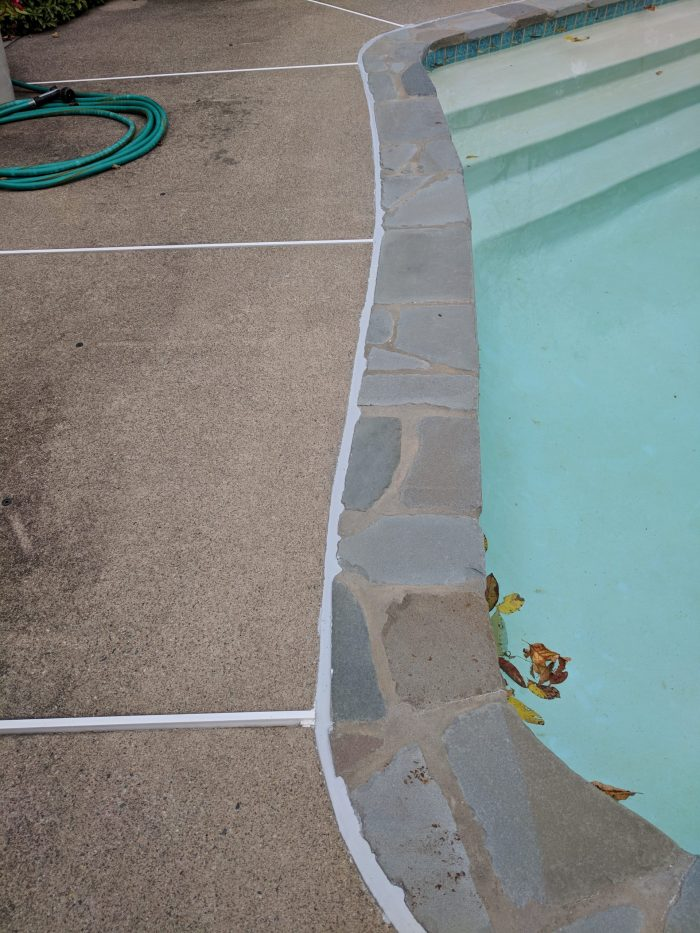 swimming pool caulking contractor